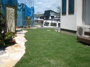 憧れの芝生のお庭 ~施工例~