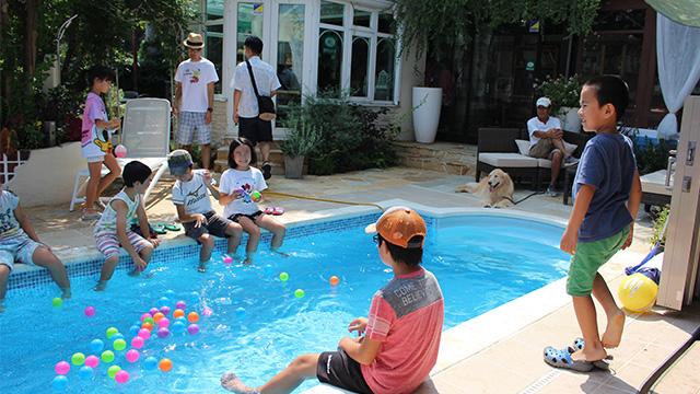 プール開放 体験イベントの様子