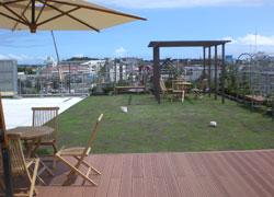 写真:屋上庭園